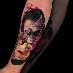 Tattoo artist Christos Zorbas color and black&grey portrait tattoo realism Skull Tattoos, Sexy Tattoos, Body Art Tattoos, Sleeve Tattoos, Tattoos For Guys, Cool Tattoos, Game Tattoos, Tatoos, Tattoo Pain
