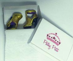 Sandalia Dourada Sapatos Para Barbie - R$ 17,99 no MercadoLivre