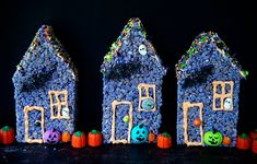 Rice Krispie Treat Haunted Houses Haunted Houses, Fun Activities, Halloween Party, Goodies, Arts And Crafts, Rice, Treats, Christmas Ornaments, Holiday Decor