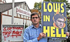 Louis Theroux Documentaries - Weird Weekends & Other Strange Stuff! Film maker who is son of famous Travel Writer Paul Theroux who produces funny travel TV Louis Theroux Documentaries, Paul Theroux, Travel Humor, Trending Videos, Good Movies, Awesome Movies, Viral Videos, Investigations, Movie Tv