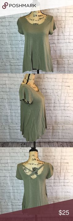 Olive green tee w asymmetrical hem & cute back Excellent preowned condition Tops