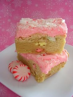 The best X-mas cookie recipe ever! Peppermint Sugar Cookie Bars Christmas)