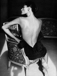 sensual B amazing dress bare back