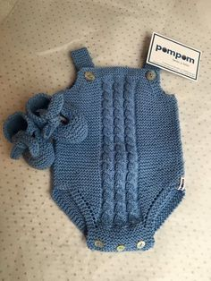 Gestrickte Baby-Overall-Modelle - Frohe Ornament-Startseite - Free Birthday S . Baby Overalls, Baby Jumpsuit, Baby Pants, Baby Dress, Baby Knitting Patterns, Knitting Blogs, Baby Patterns, Knitted Baby Clothes, Knitted Romper