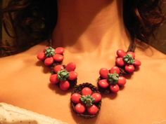 Macramé Collar en coral rojo y turquesa $29.990 handmade necklace in red coral and turquoise