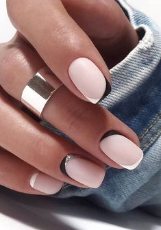 White French Nails, French Tip Nails, Short French Nails, White Short Nails, Black White Nails, French Nail Art, Short Natural Nails, Natural Nail Art, Short Gel Nails