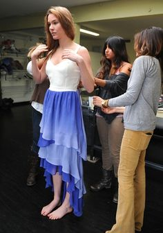 Joss Stone being fitted in a Gypsy 05 blue ombre gown. Ombre Gown, Joss Stone, Barefoot Girls, Gorgeous Feet, I Love Girls, Women's Feet, Blue Ombre, Cute Outfits, Celebs