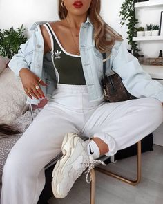 Defo not wearing this denim jacket today because in Ireland, when its above 20 degrees,. Cute Comfy Outfits, Sporty Outfits, Mode Outfits, Trendy Outfits, Fall Outfits, Summer Outfits, Fashion Outfits, Fashion Ideas, Teenage Outfits