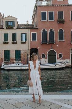Cara Jourdan | VENICE. Europe Fashion, Italy Fashion, Spring Summer Fashion, Spring Outfits, Italian Summer Fashion, Europe Outfits Summer, Mode Outfits, Fashion Outfits, Greece Outfit