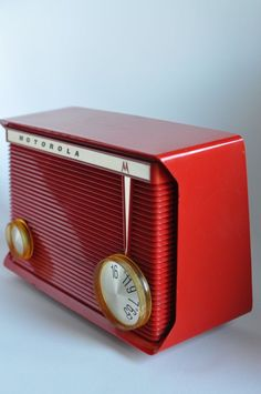 MOTOROLA AM Tube Radio Cherry Red Polystyrene Model A8R/All