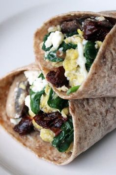 Here's What To Eat At Suhoor To Stay Energized During Ramadan Spinach And Feta, Spinach Wrap, Healthy Breakfast Recipes, Breakfast Spinach, Homemade Breakfast, Healthy Breakfasts, Fast Food Breakfast, Healthy Recipes, Cooking Recipes