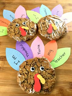 There's no better way to show how thankful you are for your favorite teachers than with a fun sweet treat. There's no better way to show how thankful you are for your favorite teachers than with a fun sweet treat. Thanksgiving Arts And Crafts, Thanksgiving Crafts For Kids, Thanksgiving Parties, Thanksgiving Activities, Thanksgiving Decorations, Holiday Crafts, Holiday Fun, Thanksgiving Turkey, Diy Thanksgiving Gifts