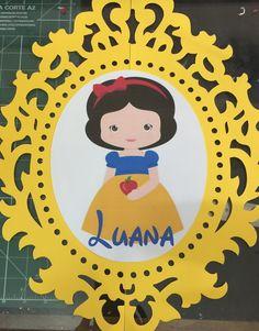 Moldura Branca de Neve Happy Fathers Day, Holidays And Events, Snow White, Papel Scrapbook, Party, Worksheets, Amanda, Interior Design, Mirror