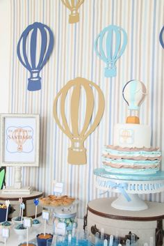 Hot Air Balloon themed birthday party with So Many Cute Ideas via Kara's Party Ideas! Full of decorating tips, cakes, cupcakes, favors, games, and MORE! #hotairballoon #hotairballoonparty #upupandaway #boyparty #partydecor #partyideas #partystyling #eventstyling (17)