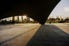 Arquiteturas inacabadas de Niemeyer no Líbano. © Anthony Saroufim