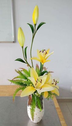 Yellow A.Lily arrangement
