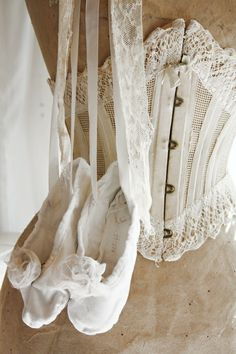 Lace corset and ballet slippers. Vintage Corset, Vintage Lace, Vintage Dresses, Vintage Outfits, Lace Corset, Vintage Underwear, Vintage Teacups, Vintage Decor, Vintage Clothing
