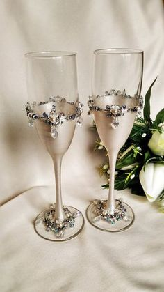 Personalized glasses Champagne flutes Silver wedding toasting glasses silver…