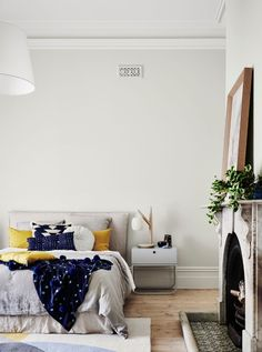 4 Amazing Useful Ideas: Interior Painting Techniques Coats interior painting ideas Painting Palette Design Seeds interior painting wall living rooms.Interior Painting Tips Most Popular. Dulux White Paint, White Paint Colors, Interior Paint Colors, Gray Interior, White Paints, Interior And Exterior, Interior Painting, White Paint Home Depot, Wall Colours