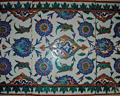 Iznik tiles inside the Selimiye Mosque, Edirne, Turquie. Photo : Orhan Bilgin.