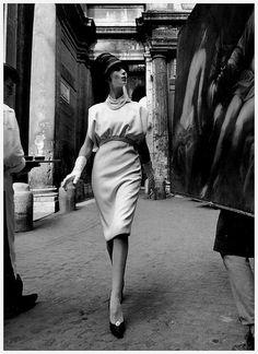 Simone in dress by Fabiani, photo by William Klein, Rome 1960