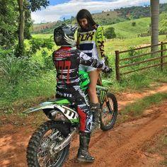 Dirt Bike Couple, Motocross Couple, Motocross Girls, Biker Couple, Motorcycle Couple, Dirt Bike Girl, Cute Country Couples, Cute Couples Goals, Couple Goals