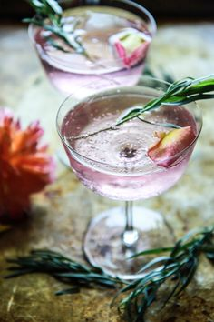 ROSE AND TARRAGON GIN LEMONADE This gorgeous floral drink is as beautiful as it is creative. The sparkling rose lemonade in this drink adds a fizzy contrast to the smooth flowery taste.