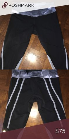 Lululemon crops Super cute black and grey crops sz4 the grey strips on the back really make your behind stand out with shape! lululemon athletica Pants Leggings