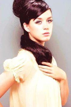 she is so beautful