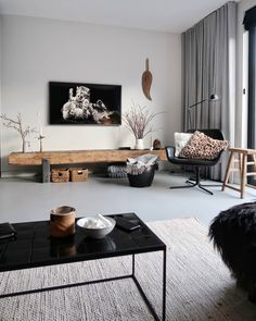 Home Decoration For Anniversary Scandinavian Design Living Room, Home And Living, Interior Rugs, House Interior, Living Room Scandinavian, Trending Decor, Interior, Living Room Wood, Living Room Remodel