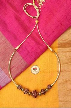 Rudram - Traditional kemp chocker with glassy beads-south indian kemp – Zivara Fashion Jewelry Design Earrings, Gold Earrings Designs, Gold Jewellery Design, Beaded Jewelry, Long Pearl Necklaces, Gold Necklace, Simple Necklace, Gold Jewelry Simple, Dainty Jewelry