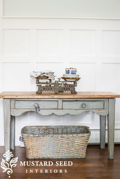 Antique Pine Table Makeover - Miss Mustard Seed Pine Furniture, Furniture Styles, Furniture Projects, Furniture Makeover, Arranging Furniture, Furniture Buyers, Chair Makeover, Furniture Refinishing, Refurbished Furniture