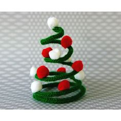 A adapter avec un cure pipe Crochet Christmas Ornaments, Christmas Knitting, Christmas Crafts For Kids, Christmas Wreaths, Christmas Decorations, Christmas Mood, Christmas Makes, Xmas, Navidad Diy