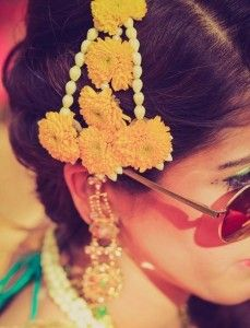 Floral jewelry ideas for your mehendi-haldi ceremony : Jhumar