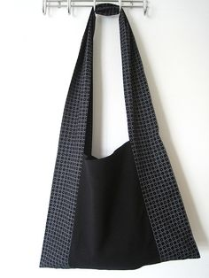 See how to make this Monk's bag and FREE sewing Pattern on Greenie Dresses for Less.