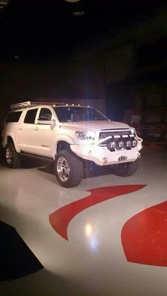 Toyota knows how its done! Except for heavy duty diesels that it. Lose the topper