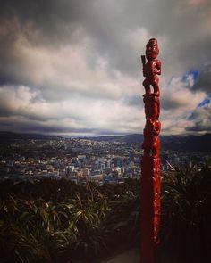 A Maori statue (Pou) on the ridge of Mount Victoria (Tangi-ke-teo) Wellington New Zealand  From our recent (August 2017) trip to New Zealand.  #wellington #maori #sculpture #art #scenic #outdoors #pou #tangiketeo