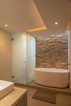 Bathroom of romero de la mora, modern- Badezimmer von romero de la mora , modern Bathroom of ROMERO DE LA MORA - Bathroom Spa, Bathroom Layout, Bathroom Interior Design, Bathroom Ideas, Bathroom Lighting, Contemporary Bathrooms, Modern Bathroom, Beautiful Bathrooms, Luxurious Bathrooms