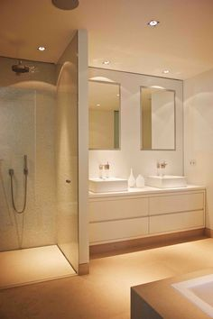 bad Tips for lighting walk-in showers and shower cubicles Bathroom Toilets, Laundry In Bathroom, Basement Bathroom, Bathroom Interior, Small Bathroom, Neutral Bathroom, White Bathroom, Kitchen Interior, Bad Inspiration