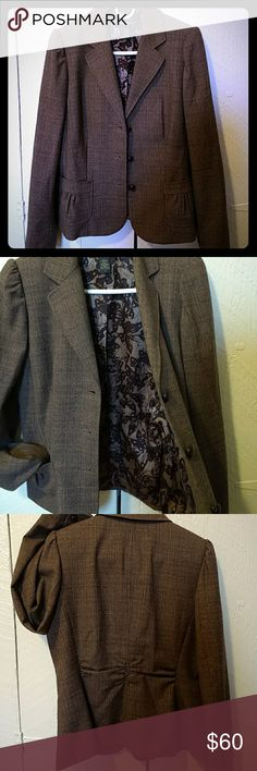 sweet overcoat or blazer! Like new condition in a brown plaid with black and rust coloured accent. Fully lined with button and pucker details and a flattering shape. Banana Republic Jackets & Coats Blazers