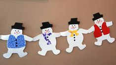 that artist woman: How to make Holiday Paper Chains (How To Make Christmas Bunting) Christmas Paper Chains, Christmas Crafts For Kids, Christmas Activities, Kids Christmas, Holiday Crafts, Christmas Decorations, Christmas Bunting, Christmas Snowman, Paper Doll Chain