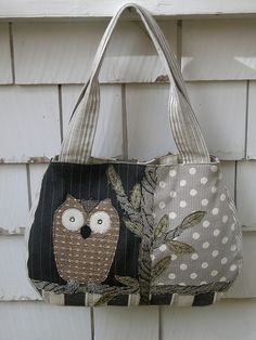 owl bag | Flickr not sure if there is a link for the pattern.  I am re pinning because I would like to make it.