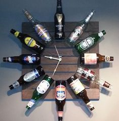 LOVE this DIY idea for his garage 'MAN CAVE' - we're decorating on a budget and this beer bottle wall clock looks cheap enough and easy enough to make! Beer Bottle Crafts, Beer Bottles, Liquor Bottle Lights, Glass Bottles, Apartment Decoration, Easy Diy Christmas Gifts, Cheap Christmas, Easy Gifts, Unique Gifts