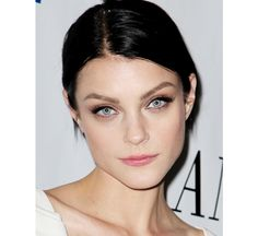 Great make up on Jessica Stam. Love the thick lashes and pink lip