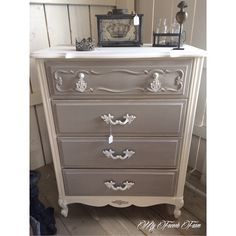 Beautiful dresser painted with Annie Sloan chalk paint in Pure White and Paris Grey. I think I'd like these colors on my dining table and chairs Chalk Paint Furniture, Furniture Projects, Furniture Making, Bedroom Furniture, Diy Furniture, Furniture Design, Antique Furniture, Refurbished Furniture, Repurposed Furniture