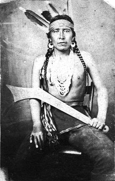 Chief Big Eagle (Waŋbdí Tháŋka). Mdewakanton Dakota Sioux. Minnesota. 1864. Big Eagle (c. 1827 – 1906) was the leader of a band of Mdewakanton Dakota Sioux in Minnesota. In 1862 he and his band joined Taoyateduta and took part in a Sioux uprising. He eventually surrendered. Despite his death sentence, and his tribal importance, President Lincoln pardoned Big Eagle in November 1864.