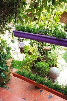 Calhas usadas para jardim: Passo a Passo. As calhas podem te ajudar a ter um jardim suspenso muito bonito e ecológico.