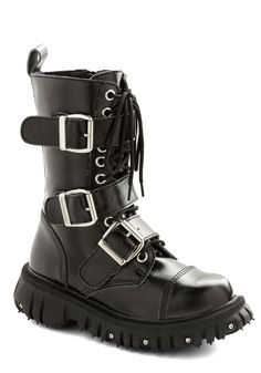 Strap-In Style Boot. Are you ready to rock the edgiest look youve ever dared to wear? #black #modcloth