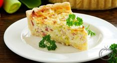 Pai med bacon og ost - Oppskriftskroken Quiches, How To Cook Shrimp, How To Cook Quinoa, Seafood Quiche, Bacon And Cheese Quiche, Classic French Dishes, French Food, Vegetarian Recipes, Diabetic Recipes