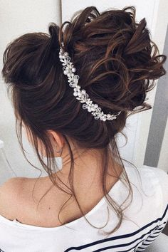 Wedding Hair Down 99 Chic Wedding Hair Updos for Elegant Brides - 99 Chic Wedding Hair Updos for Elegant Brides Unique Wedding Hairstyles, Bride Hairstyles, Down Hairstyles, Hairstyle Wedding, Chignon Hairstyle, Messy Updo, Hairstyle Ideas, Engagement Hairstyles, Belle Hairstyle